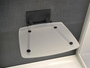 RAVAK OVO B Clear/Black dušas sēdeklis caurspīdīgs/melns 36x36x13 B8F0000045